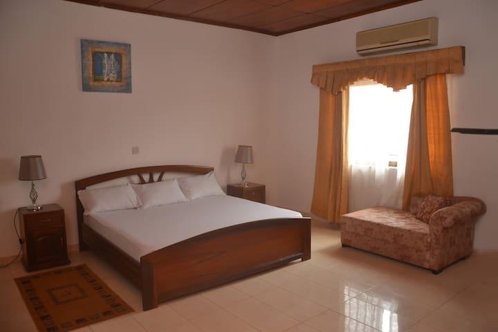 Cosy self contained room - Accra - Apartamento