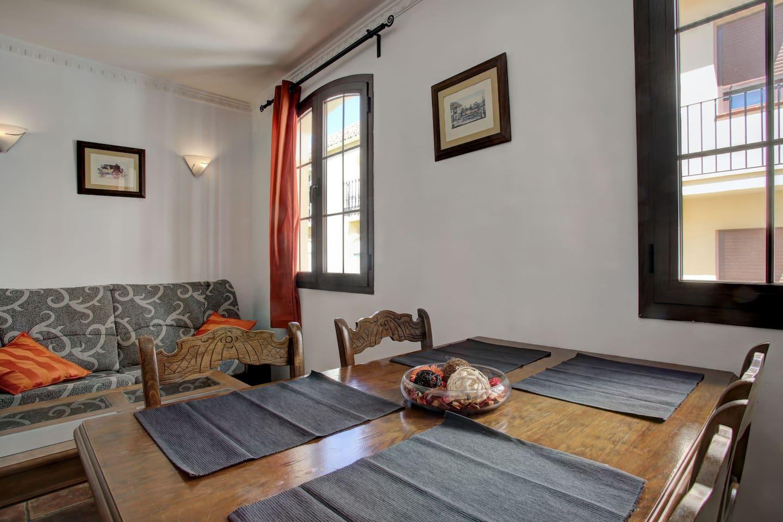 Apartamento Junto Al Tajo Apartments For Rent In Ronda  # Muebles Rondenos En Ronda