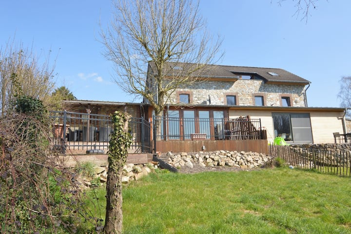 Immaculate holiday home, a base camp for countless trips and 15 km from Aachen