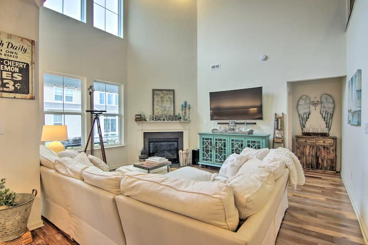 Luxe Townhome w/Patio, Bus to Bethany Beach