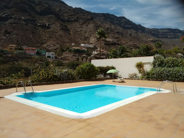 Apartment in semi-rural location near Mogan beach - Las Palmas - Condomínio