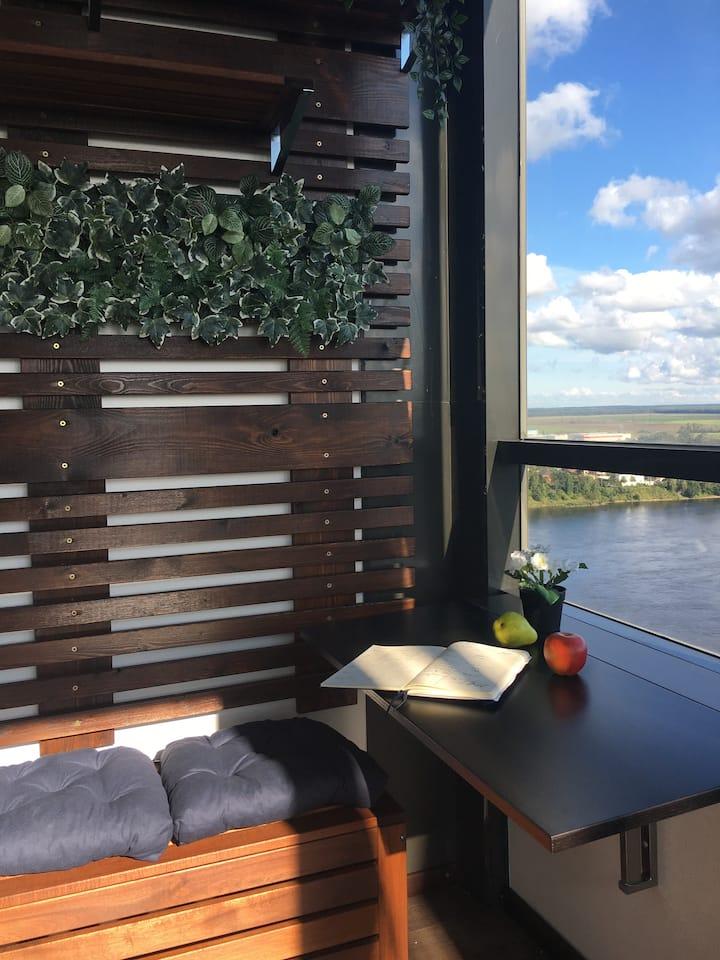 Уютная  квартира с прекрасным  видом на Неву.