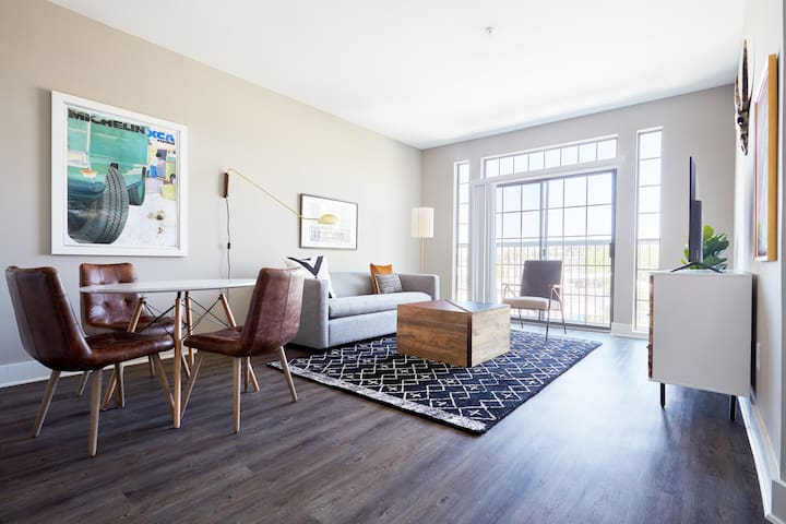 Sonder | East Eleventh | Tranquil 1BR + Pool