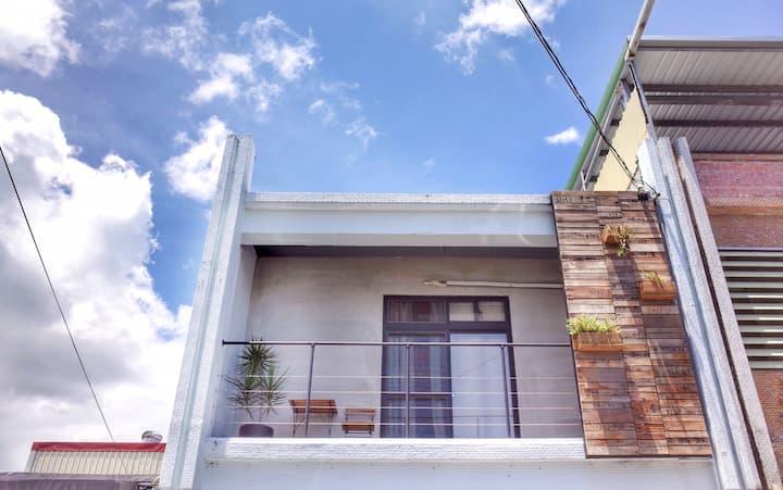 慢果旅宿 Mango Hostel-五間包棟(11~14人)