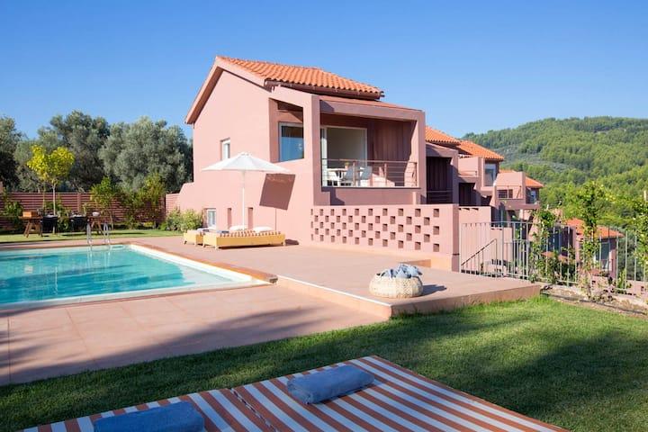 Amandola Villas Executive 2bedroom villa with pool
