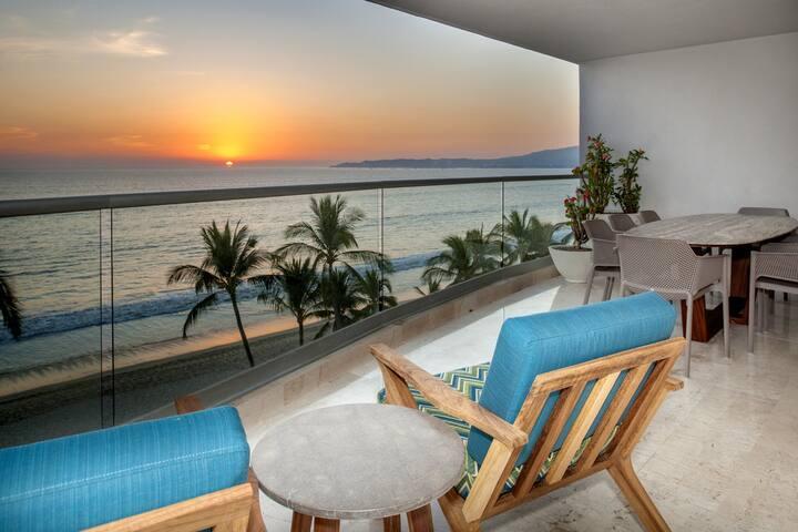 Beachfront Luxury Condo at Bucerias