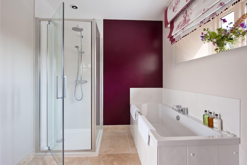 The Beech Suite - Bathroom