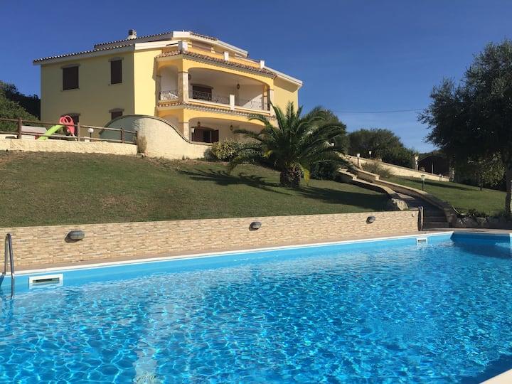 Villa Vittoria, private pool and jacuzzi