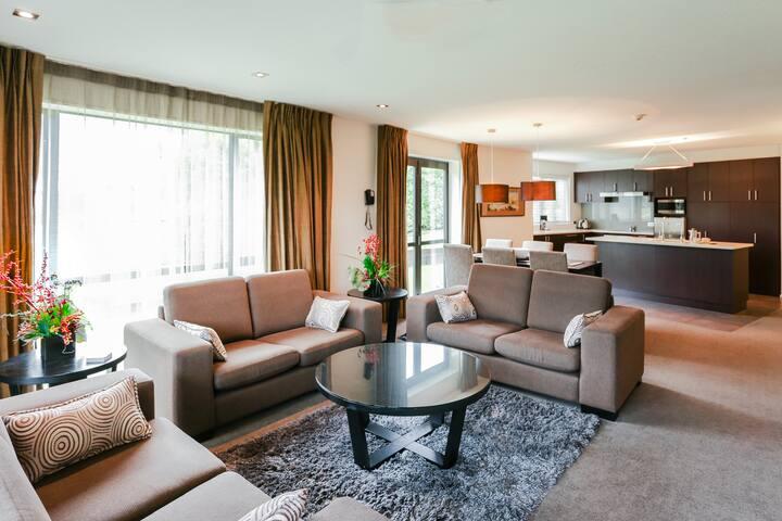 Village Lake Luxury Apartments (Three Bedroom)