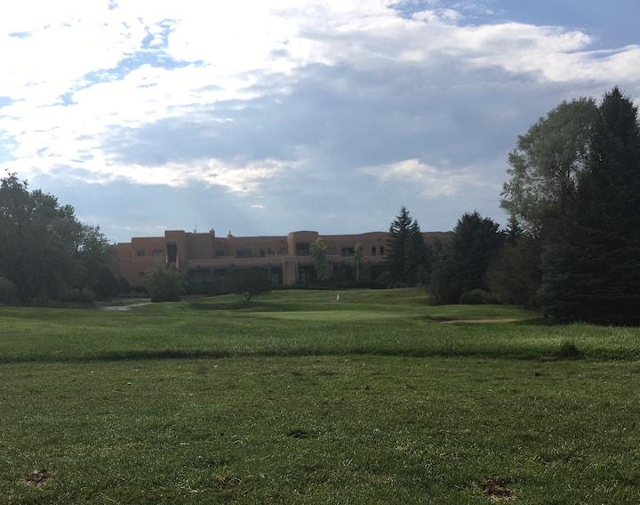 A Quail Run Gem! Golf, tennis, swim & relax!