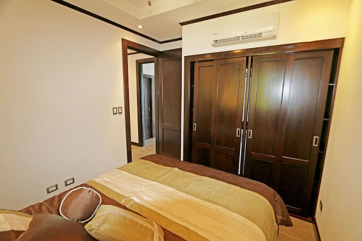 Second bedroom / Segundo cuarto