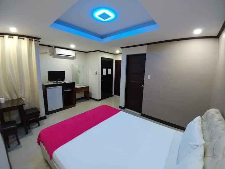 PJ INN HOTEL(Deluxe room)