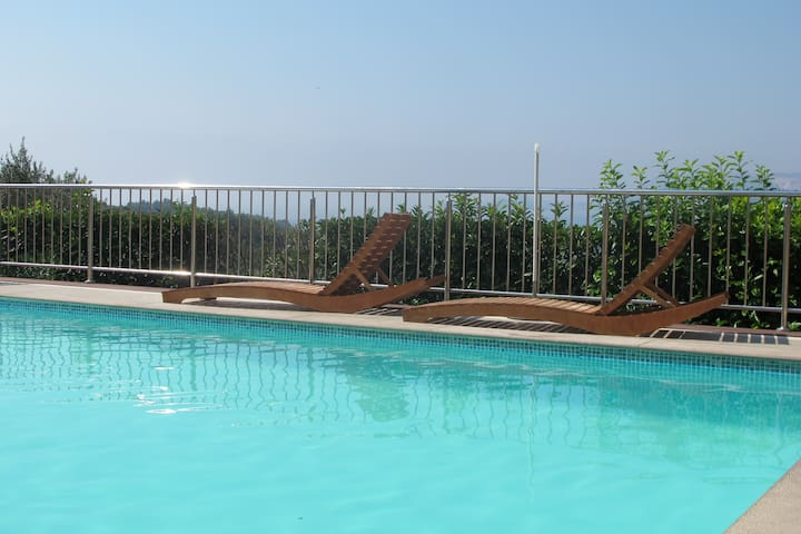 Cozy 2bedroom apartment with pool and sea view - Cavtat - Casa