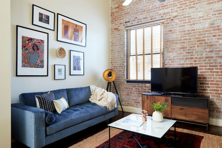 Sonder | Constance Lofts | Gorgeous 2BR + Gym
