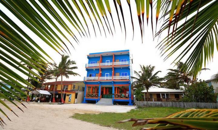 Barrier reef, Beach, AC, Wifi, 'standard room' PPB