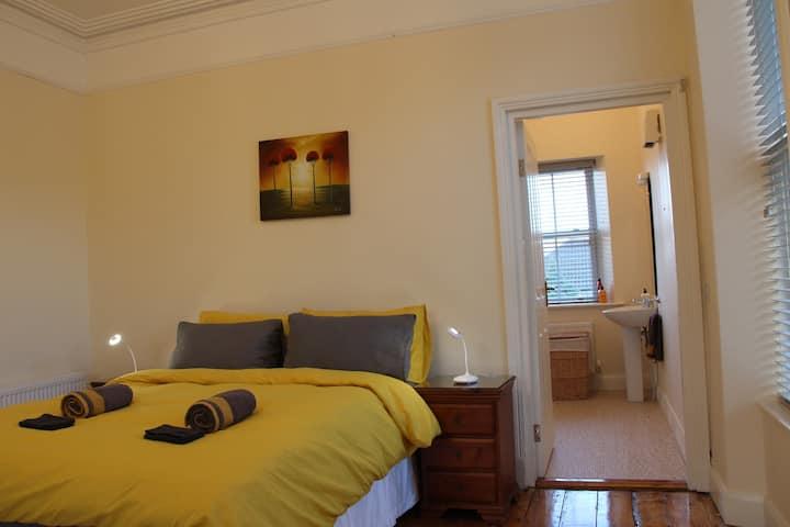 Large cosy  ground floor room and en suite.