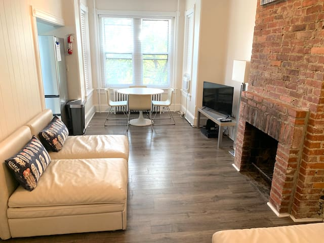 Relaxing, Modern, Central Location on Capitol Hill