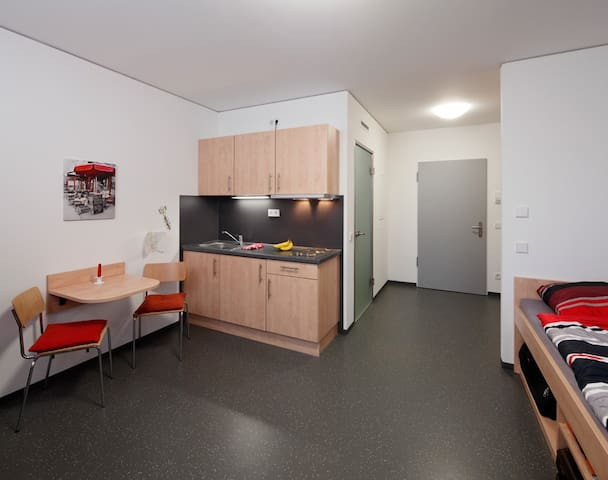 Neat and tidy studio apartment - Kleve - Departamento