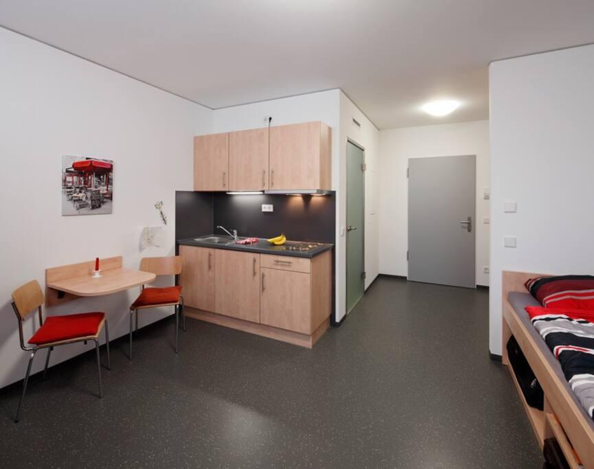 neat and tidy studio apartment wohnungen zur miete in kleve nordrhein westfalen deutschland. Black Bedroom Furniture Sets. Home Design Ideas