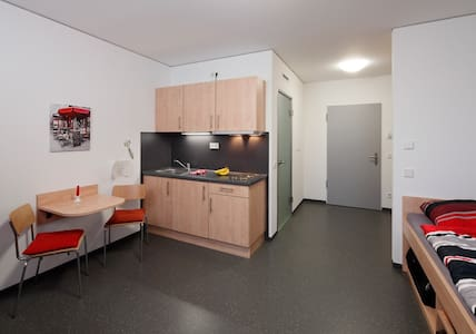 Neat and tidy studio apartment - Kleve - Pis