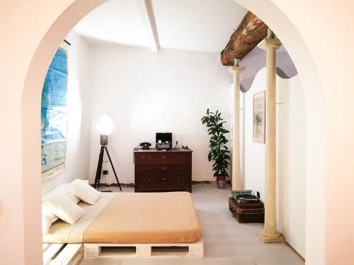 "★★★★★Heart of Florence ""Loft Porcellino"" WIFI AC"