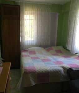 Bahceli evimizde bir oda - Urla - Hus