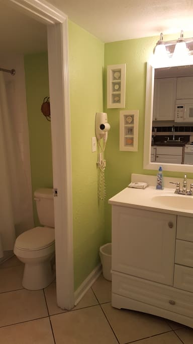 Blow dryer, soap, and towels provided