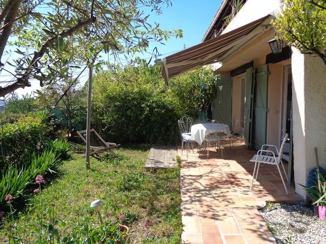 Joli appartement F2 avec jardin et terrasse vuemer