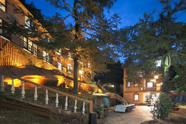 鸟途•庐山小院(11室3厅和整个院子,面朝U型谷,看红日升起)