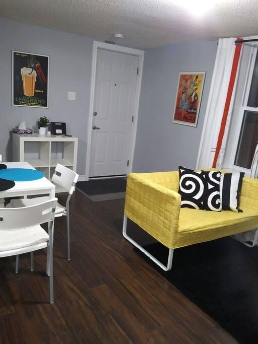 2 Bedroom Apartment In Vanier Beechwood Village Apartments For Rent In Ottawa Ontario Canada