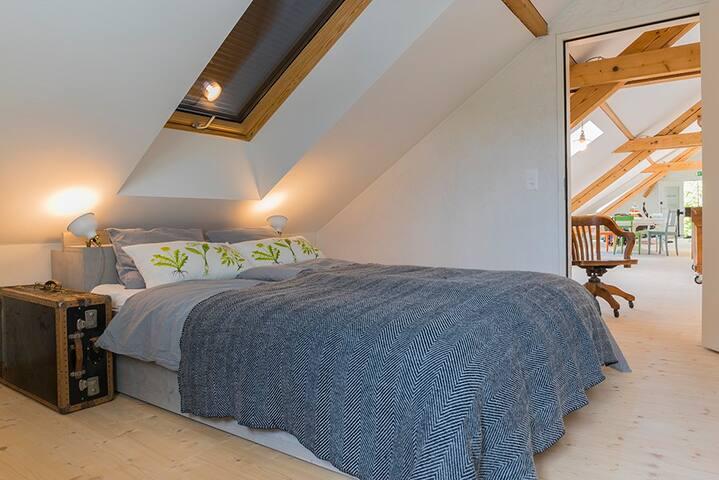 cozy loftroom 3,near the lake & zurich