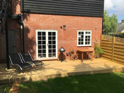 Self contained annexe at rear of garden