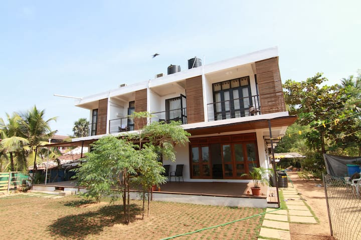 Casa Cubo - By the beach. Goa - Goa del norte - Bed & Breakfast