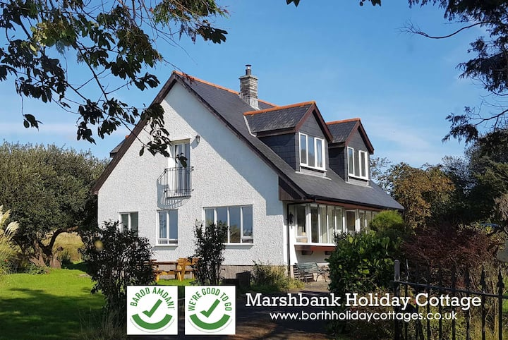 Marshbank - Spacious family home, gardens, parking