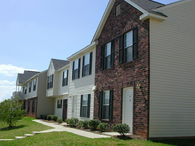 Cozy Townhome in Morrisville