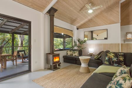 Beach, Surf & Rainforest Retreat - Cootharaba