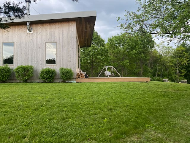 Incredible modern home on 125 acres, 90min to NYC