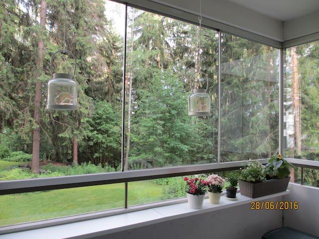 Rauhallinen huone, suihku ja aamupala - Valkeakoski
