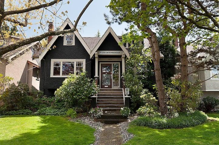 House On Dunbar B&B