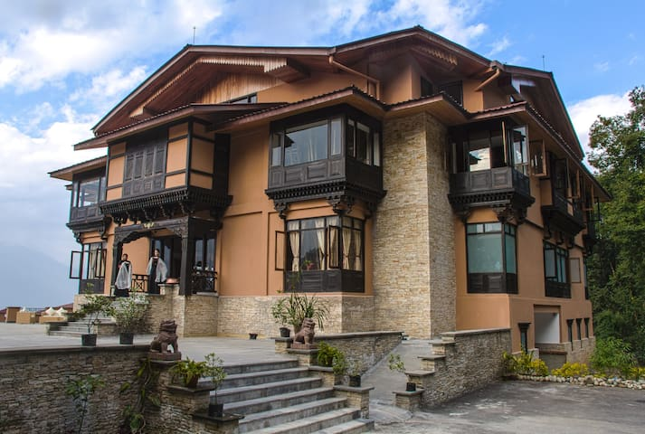The Chumbi Mountain Retreat (Yuksom Suite) - Pelling - Boetiekhotel