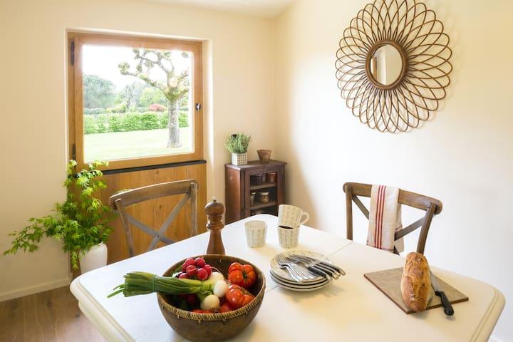 Les Rosiers, maison tout confort avec piscine - Saint-Félix-de-Villadeix - Casa