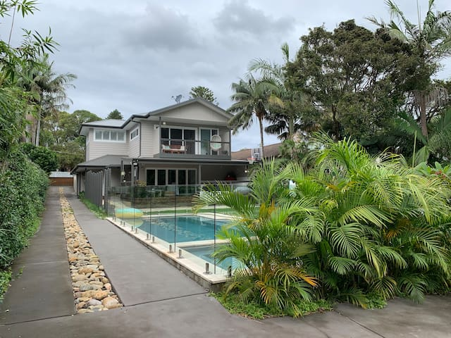 Family friendly beach house with pool, yard & more