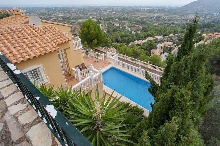 Stunning Villa with a private pool, sauna, wifi - Muntanya de la Sella - Villa