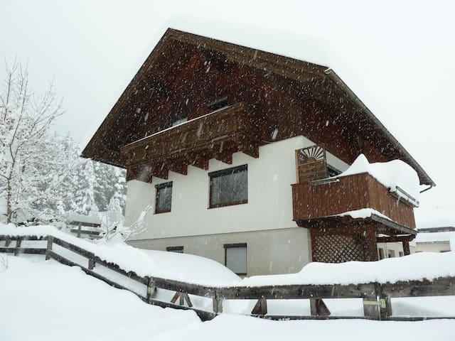 Top apartment: skiing, hiking, biking or sunbathe