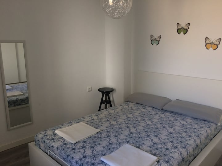 Cheap room 4 with privates balcony and living r.