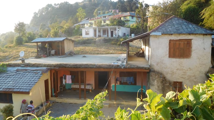 Hill Top Mud House Homestay