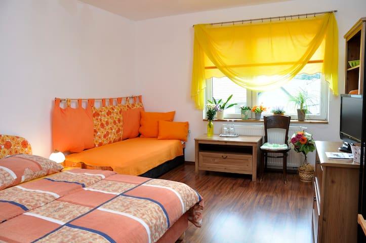 Villa De Likua (Room 1) - Likavka - Bed & Breakfast