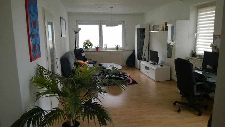 bright & furnished apartment+balcony in old town - Oppenheim - Lejlighed