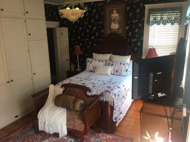 Queen bedroom room #5 @ The Turner House