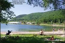 base nautique à 8 km .  pêche,  natation,  lac de plein air.